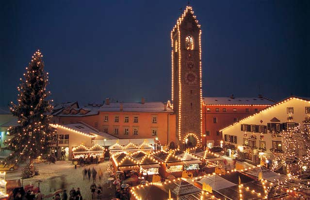 "<span class=""news-image-bildtext"">Der Christkindlmarkt von Sterzing. Foto: Südtirol Marketing/Laurin Moser</span>"